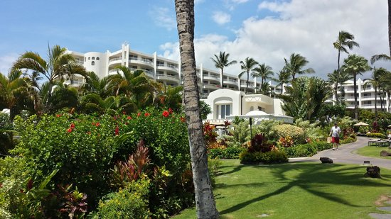Fairmont Kea Lani, Maui : View from the beach at The Fairmont Kea Lani