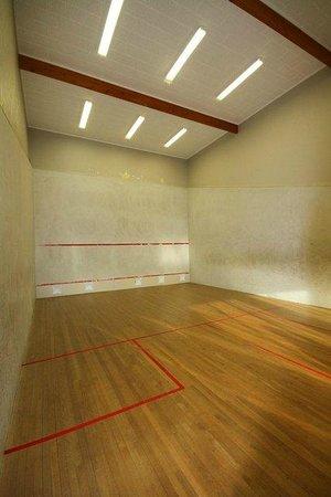 Bentleys Motor Inn: Onsite Squash Court