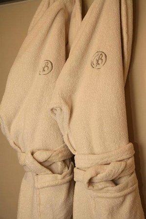 Bentleys Motor Inn: Bath Robes