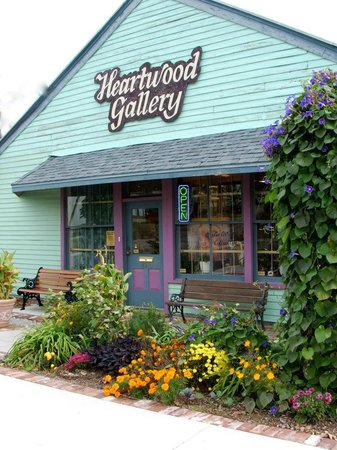 ‪Heartwood Gallery‬