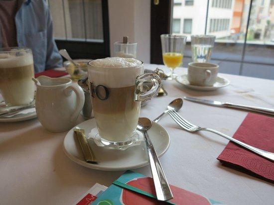 Deutscher Kaiser Nuremberg : Breakfast
