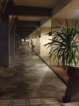 Kuta Station Hotel: in a busy road, still u can find a quiet relaxing place to stay..