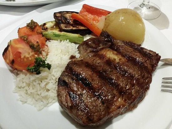 Parrillada EL Tranvia Campinas: Ancho com arroz e parrillada de legumes