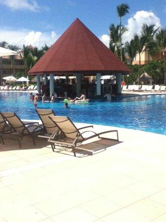 Luxury Bahia Principe Ambar Blue : Ambars pool bar
