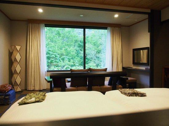 Hoshino Resorts Oirase Keiryu Hotel: 落ち着いた和モダンです。