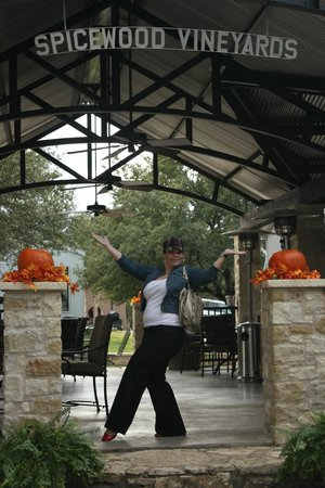 Spicewood Vineyards: Spicewood Winery
