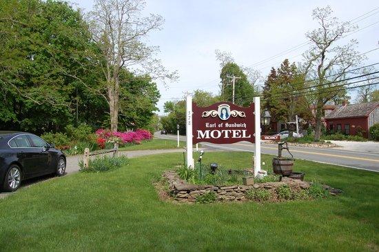 Earl of Sandwich Motel : Landmark