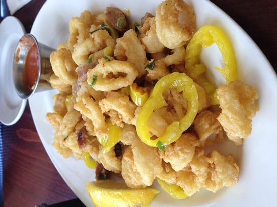 Dog Watch Cafe: Calamari Yum!