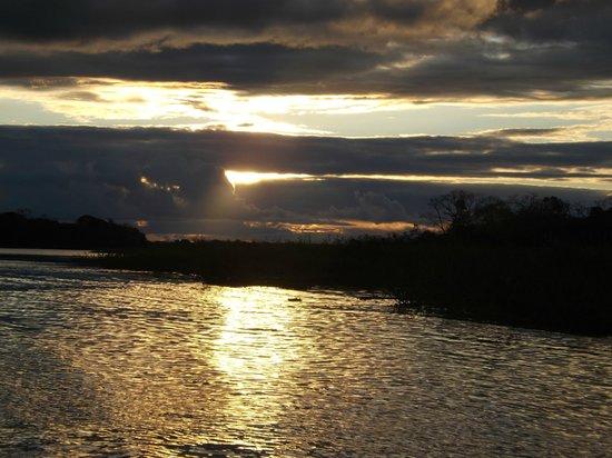 Muyuna Amazon Lodge : Final sunset