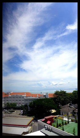 Bayview Hotel Georgetown Penang: View out of room
