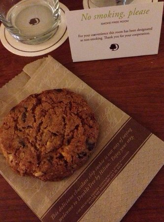 DoubleTree by Hilton Hotel Philadelphia - Valley Forge: Chocolate chip walnut cookie - yum