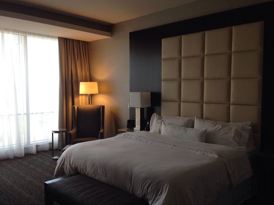 Westin Phoenix Downtown: King room