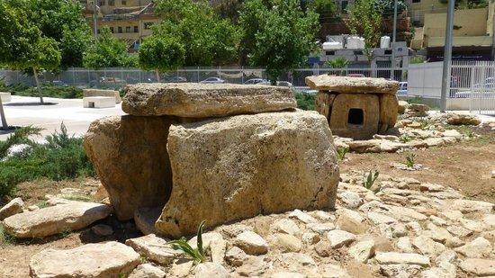 The Jordan Museum: Dolmen outside museum