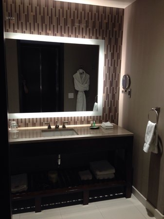Westin Phoenix Downtown: Bathroom