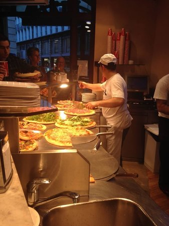Pizza Bizzi: Fresh pizza!
