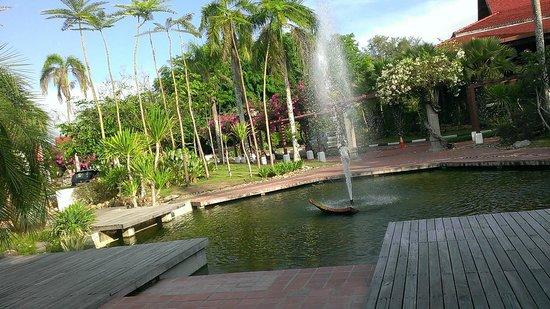 Meritus Pelangi Beach Resort & Spa, Langkawi : View of Lakefront