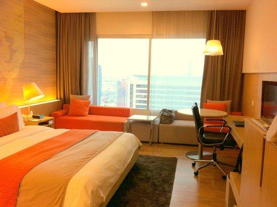 Pathumwan Princess Hotel: Nice room interior