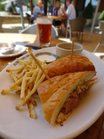 Rutherford Grill: their tasty french dip