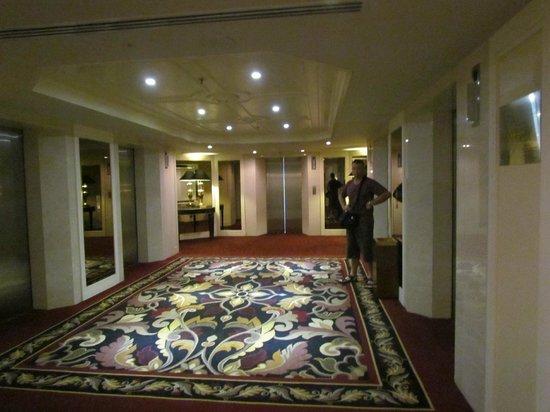 Grand Millennium Kuala Lumpur : Lift area