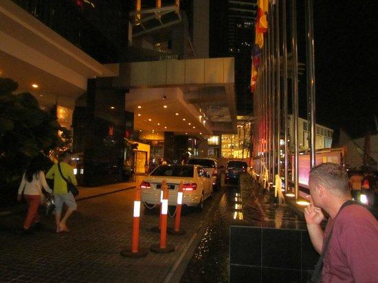 Grand Millennium Kuala Lumpur : Front of Hotel
