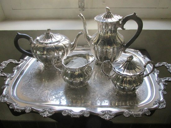 Historical Museum Fort Zoutman: a silver tea service on display in museum