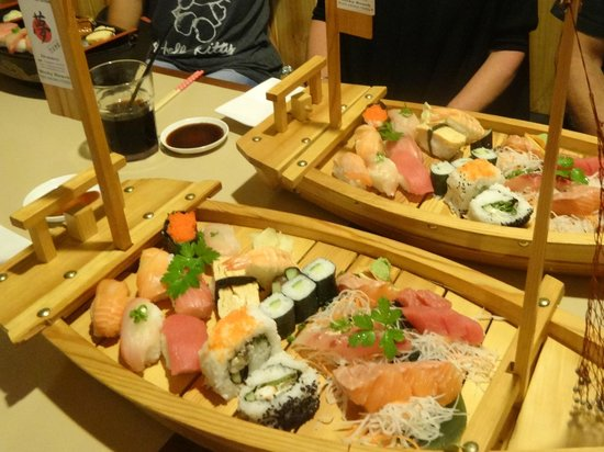 Yume Japanese Restaurant: the mixed sushi & sashimi boat