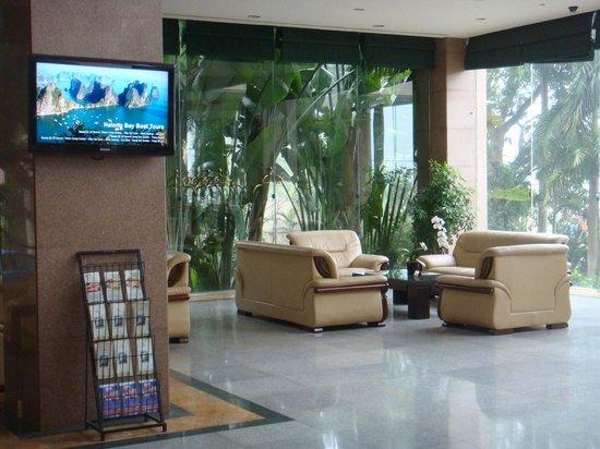 Halong Plaza Hotel: Lobby