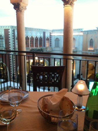 The Venetian Las Vegas : perfect table and view