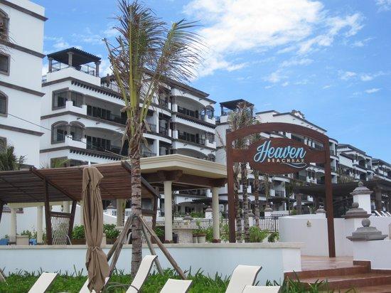 Grand Residences Riviera Cancun : The beach bar