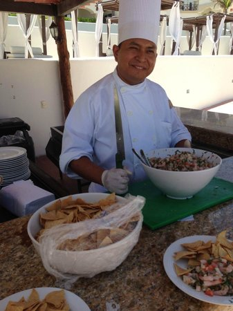 Hyatt Zilara Cancun: The chef from Spice showing us how to make ceviche