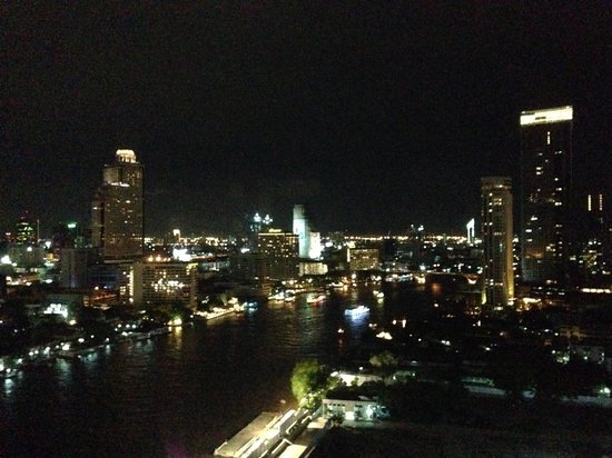 Millennium Hilton Bangkok : View from the top deck