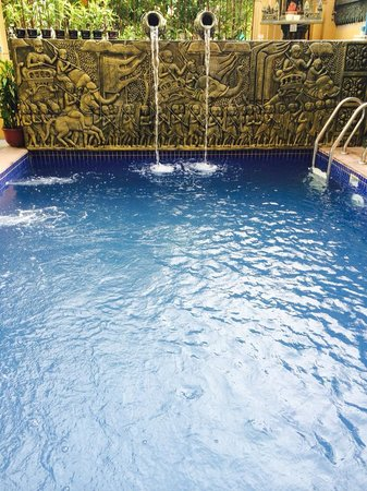 Bokre Angkor Hostel : Swimming Pool