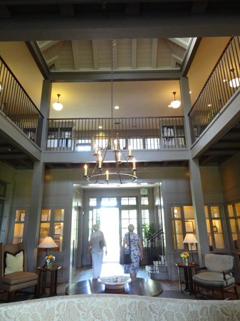 Frog's Leap Winery: interior - beautiful