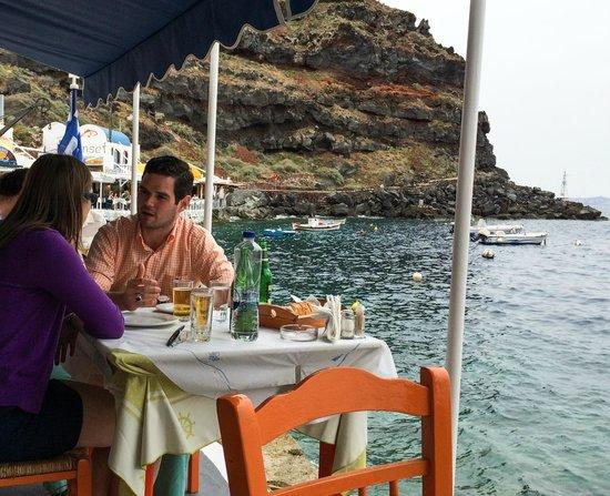 Taverna Katina: next table at lunch