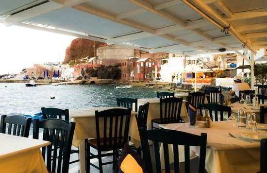 Sunset Ammoudi Taverna: early view from the restaurant