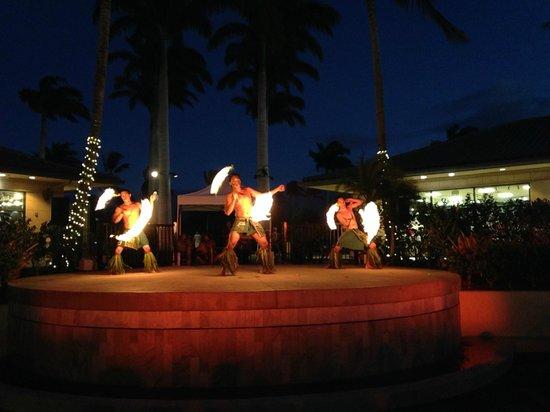 The Shops At Mauna Lani : performance