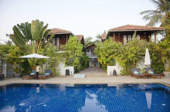 Bambu Battambang Hotel: プールもあります