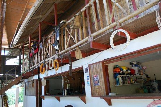 Brisas del Nara: Stables and kitchen
