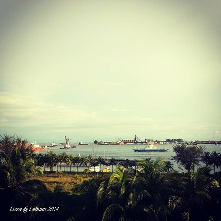 Dorsett Grand Labuan: Labuan Sea View from my balcony