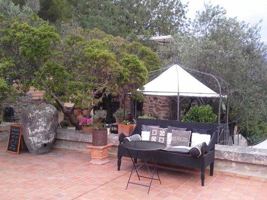 Son Bleda: Hotelterrasse und Gartenrestaurant