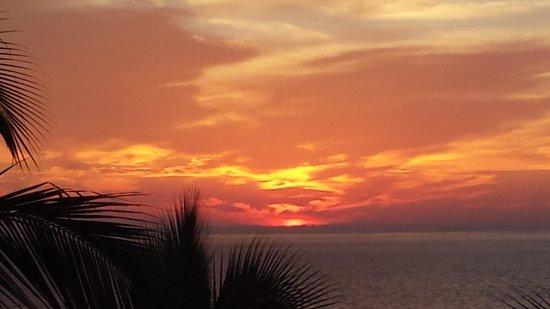 Villa del Palmar Flamingos: sunset from the balcony