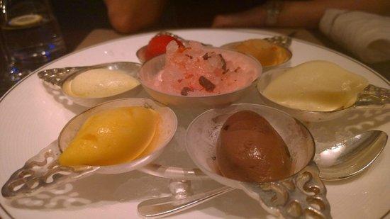 Café Gray Deluxe: Corbet and Ice-Cream dessert