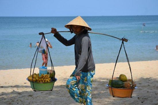 Mai House Resort : Торговцы фруктами