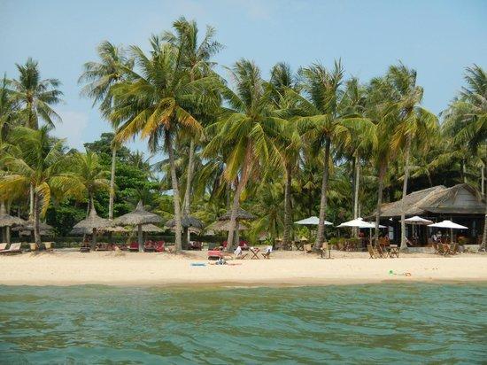 Mai House Resort : Вид с моря на территорию отеля