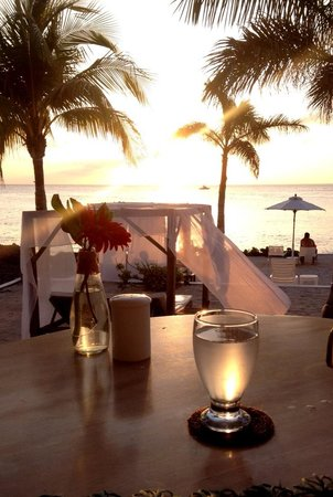 Hotel B Cozumel: Cocktails at sunset