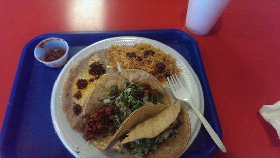 Algoberto's Taco Shop