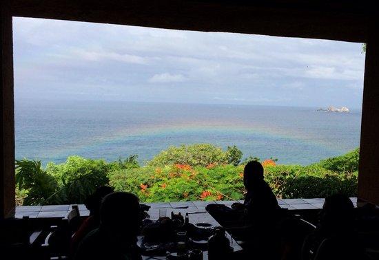 Desayuno Buffet en Las Brisas Ixtapa delicioso y con esta vista maravillosa!!! Que más se puede