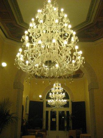 Antico Monastero: LAMP NAAR EETZAAL