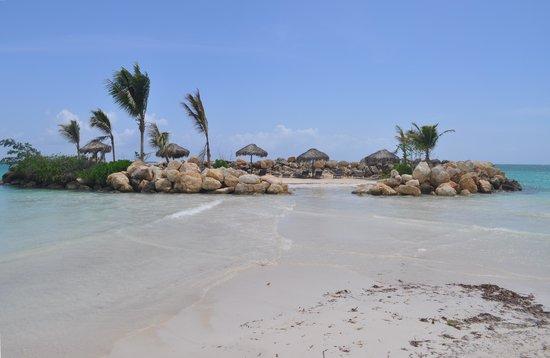 Royalton White Sands Resort: private island
