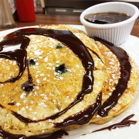 Early Bird Diner : Coconut Pancakes with Chocolate Sauce!!
